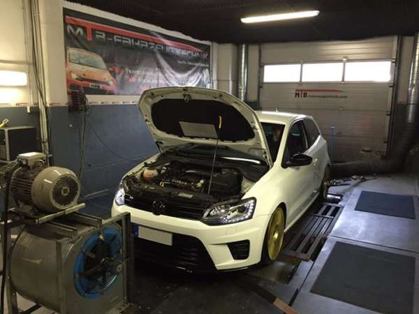 Polo_WRC_mit_220_553152d6282b2.jpg